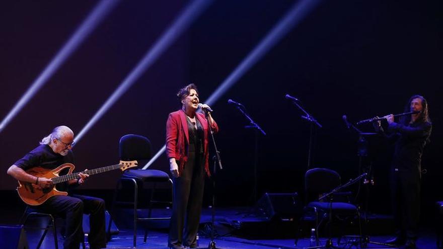 Concierto benéfico con Carmen Linares reivindica rol transformador de la música