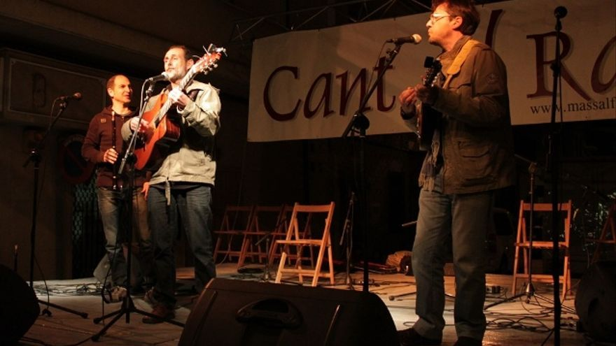 Una actuació al festival Cant al Ras de Massalfassar