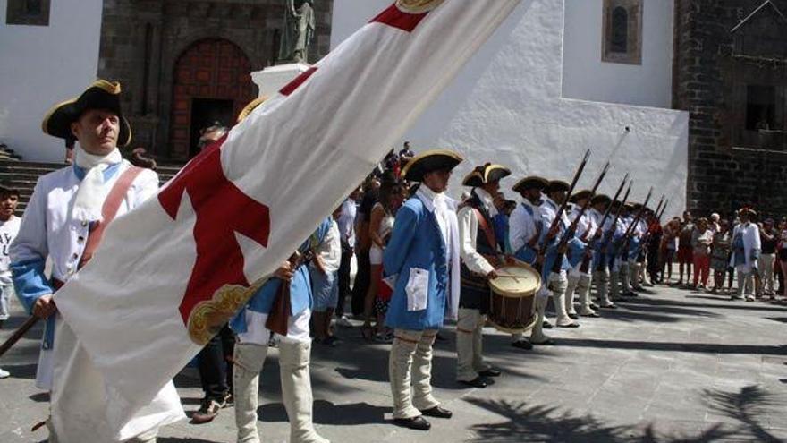 Imagen de archivo de 'Los Doce de Su Majestad' en un acto en la Plaza de España de Santa Cruz de La Palma.