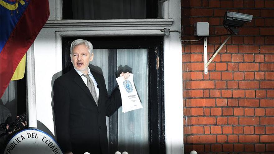 """Assange considera un """"insulto"""" la respuesta británica a la opinión de ONU"""
