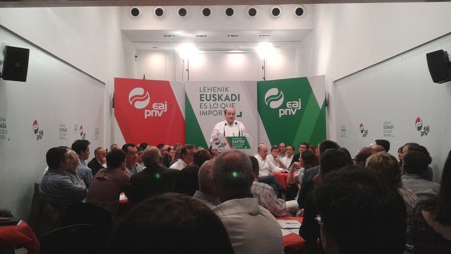 """Ortuzar (PNV) advierte de que los grandes partidos españoles """"no merecen la confianza de los vascos"""""""