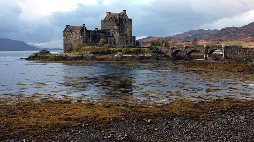 Eilean Donan Castle, una de las imágenes icónicas de las Highlands escocesas. Xlibber