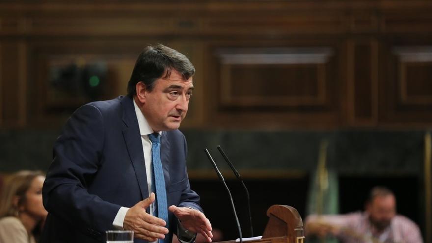"""PNV dice que las pintadas """"no ayudan"""" a la convivencia y cree que la IA usa Cataluña para """"tapar la carencia de ideas"""""""