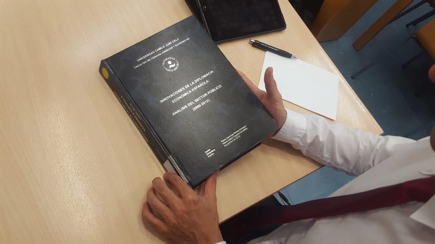 Una de las empresas antiplagio a las que recurrió Moncloa detecta un 21% de contenido duplicado en la tesis de Sánchez