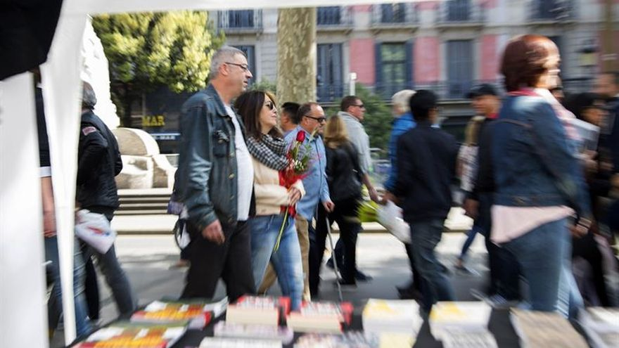 El Sant Jordi dominical arranca perezosamente y se anima al mediodía