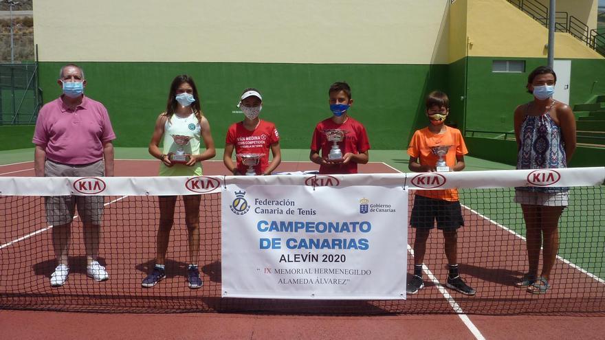 El Círculo corona a los campeones de Canarias de tenis de las categorías Cadete y Alevín