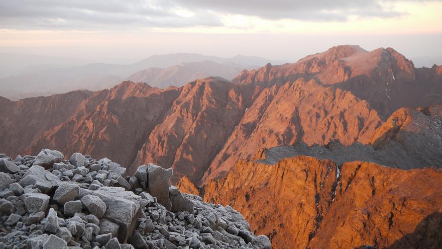 Vistas desde la cima del Jbel Toubkal. Active Steve