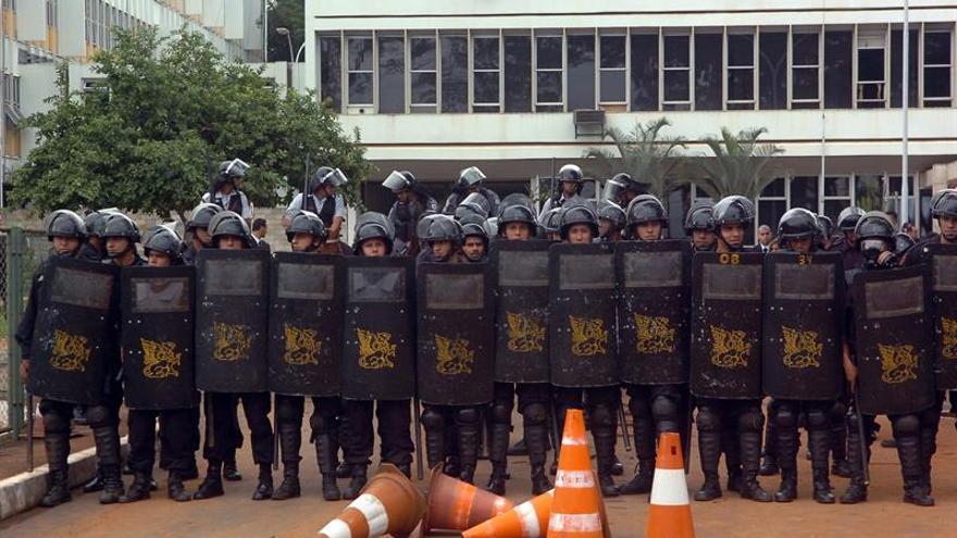 Brasilia se blinda ante una protesta que puede dejar más herido a Temer