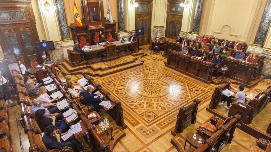Momento de la aprobación de la Renta Social Municipal, este lunes en el pleno de A Coruña
