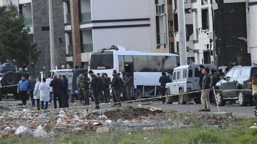 Mueren 3 policías en un ataque de la guerrilla kurda en el sureste de Turquía