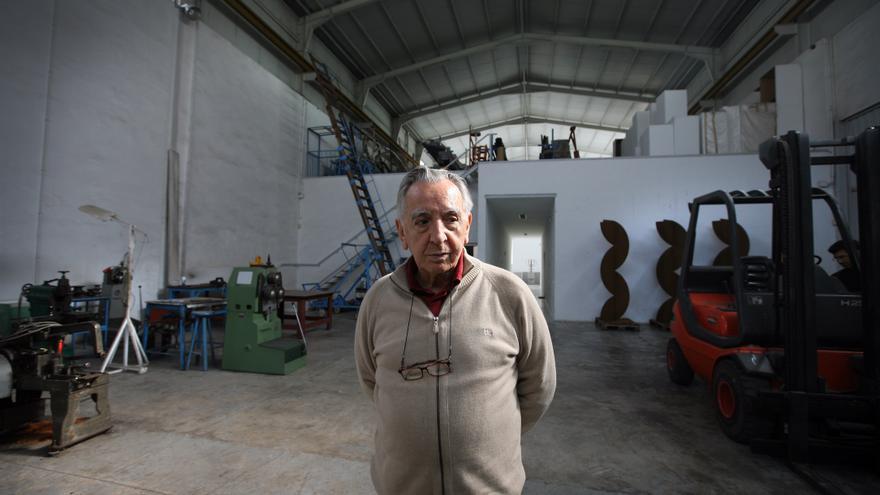 Andreu Alfaro en su estudio. Foto: Jesús Císcar