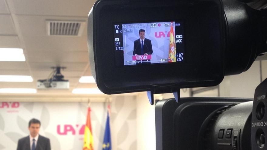 UPyD pide citar como imputados a todos los parlamentarios catalanes que apoyaron la moción independentista