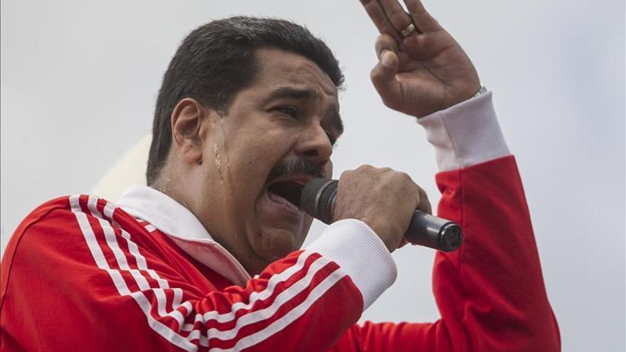 """Maduro apoya una investigación a las legislativas y habla de """"golpe electoral"""""""
