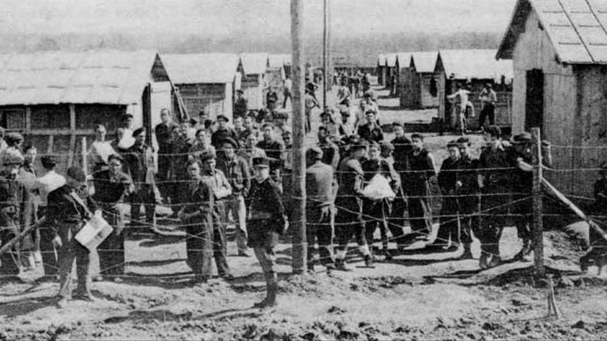 Campo de concentración de exiliados españoles en Francia.