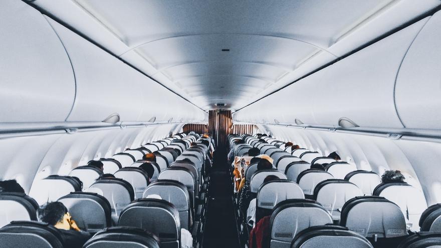 sobrevivir al avión