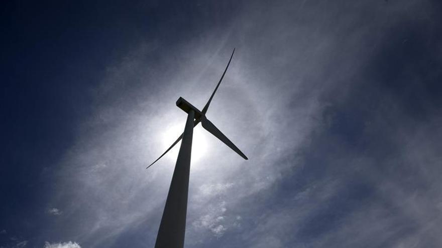 Molino de viento en un parque eólico español.