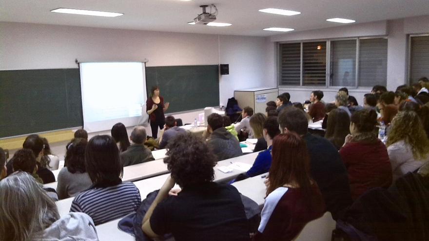 Más de setenta docentes y futuros maestros participaron en unos seminarios organizados por Aula Animal en la Universidad de Zaragoza