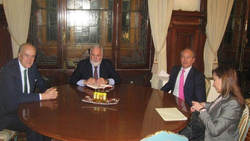 Las grandes constructoras se reúnen con Arias Cañete