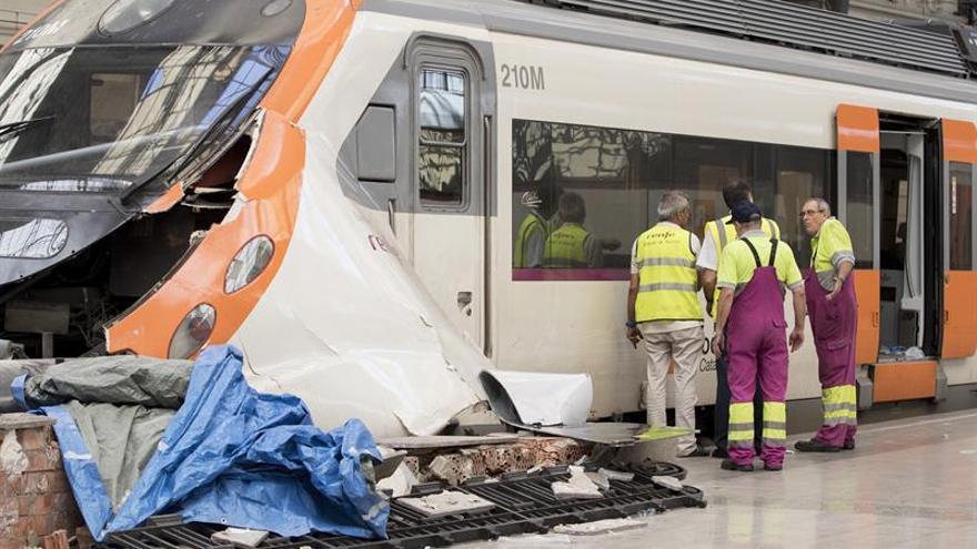 Nueve heridos en el accidente de tren de Barcelona siguen hospitalizados, tres graves