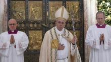 El Papa reza por los centroamericanos tras el huracán Otto y el terremoto