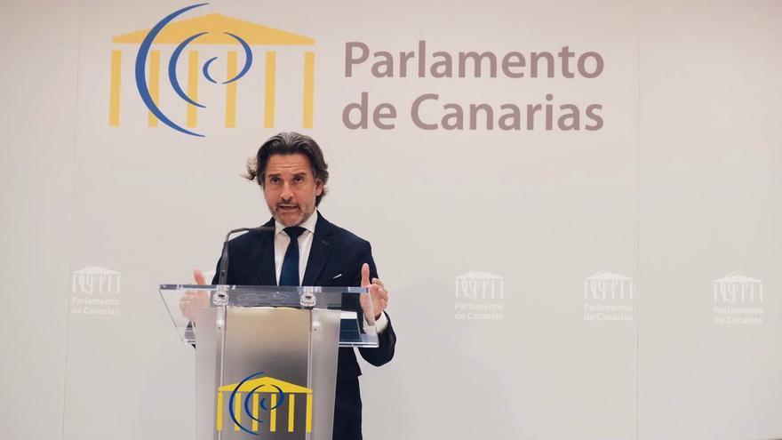 El presidente del Parlamento de Canarias, Gustavo Matos.