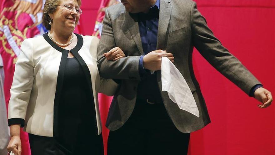 El hijo de Bachelet publica su patrimonio tras la polémica por un millonario crédito