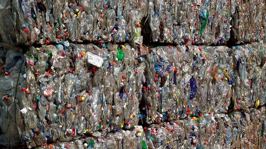 Balas de envases, tras pasar por la planta de selección de residuos. / Foto: Ecoembes