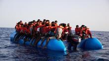El barco de la ONG Sea-Eye rescata a 65 migrantes en el Mediterráneo Central