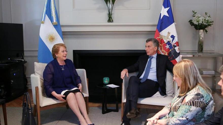Chile y Argentina negociarán para profundizar relación bilateral comercial