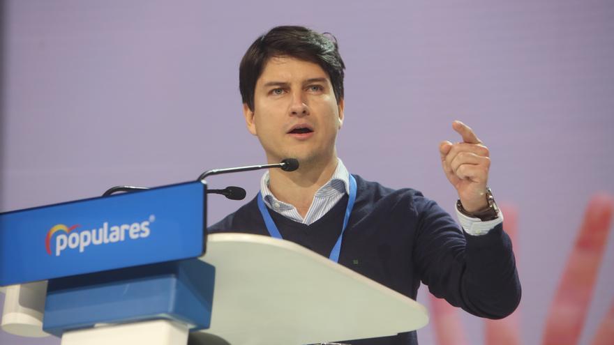 """El presidente de Nuevas Generaciones del PP, Diego Gago, interviene durante la tercera jornada de la Convención Nacional del PP """"España en libertad"""""""