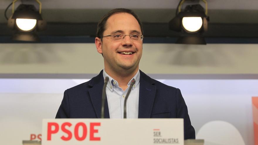 """Luena (PSOE) acusa a Rajoy de representar la """"corrupción sistemática"""""""