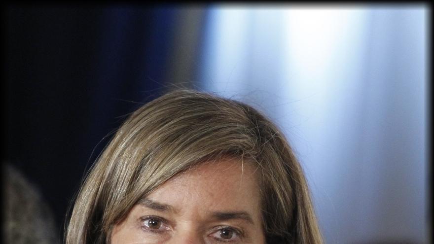 """Ana Mato dice que Aznar es """"un referente"""" y no ve """"en absoluto"""" una critica a Rajoy"""