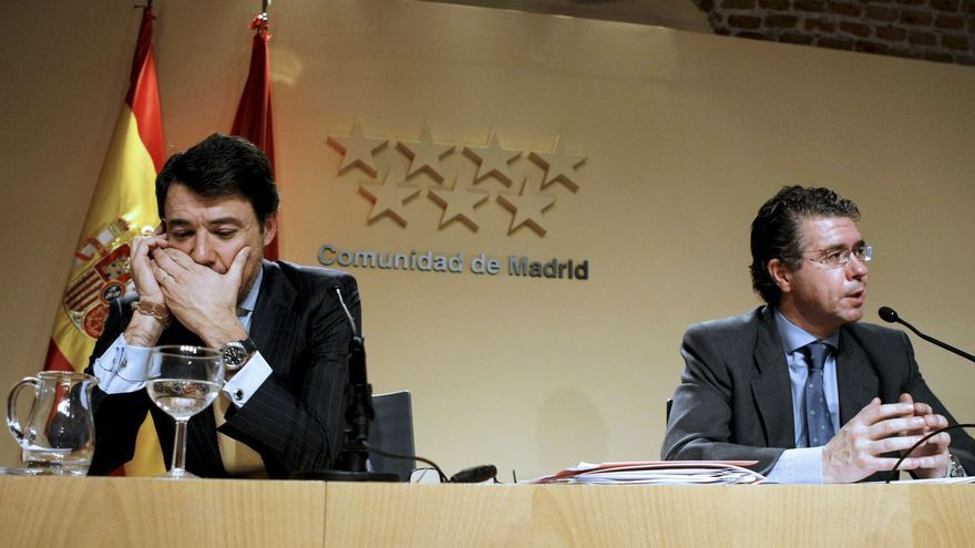 Ignacio González y Francisco Granados en una rueda de prensa posterior a un Consejo de Gobierno en 2009.