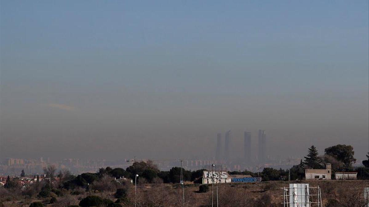 Madrid durante uno de sus habituales episodios de contaminación elevada