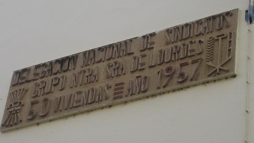 Placa retirada en Puerto Real (Cádiz).