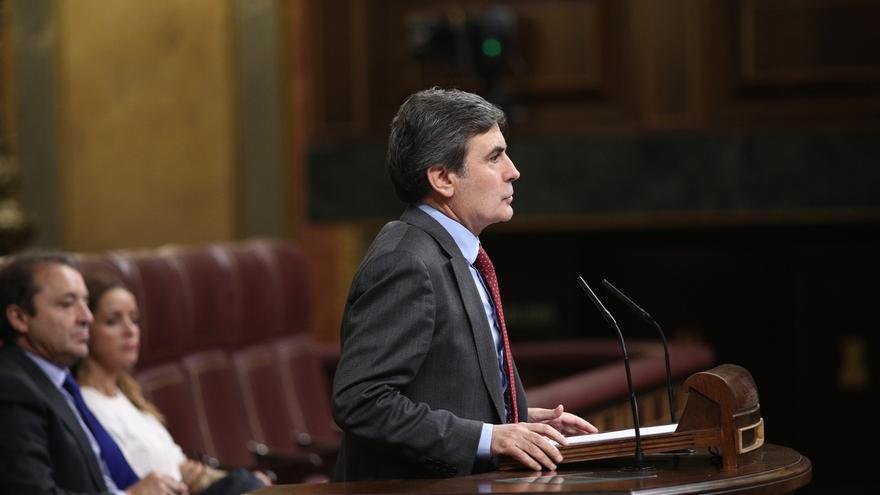 El PSOE no comenta la petición de absolución de Chaves al Supremo por los ERE, pero defiende su honorabilidad