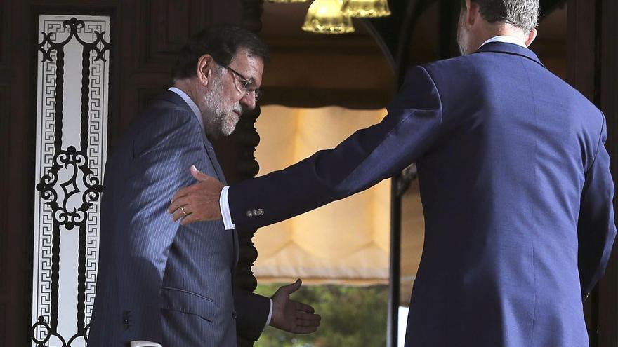 Mariano Rajoy en una visita al rey Felipe VI / EFE