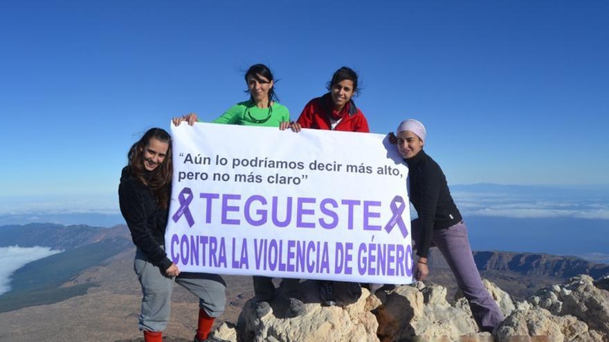 Un grupo de deportistas en el Parque Nacional del Teide / Foto facilitada por la Concejalía de Deportes de Tegueste