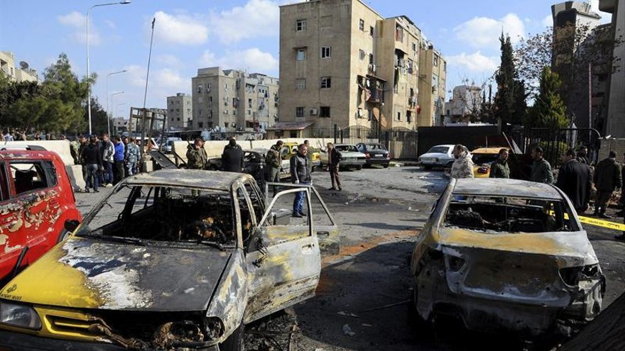 Suben a 43 los fallecidos en los bombardeos al feudo opositor cerca de Damasco