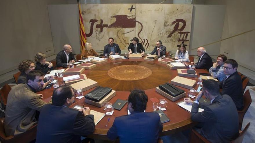 Puigdemont trasladará a Rajoy que la oferta de referéndum acordado no caduca