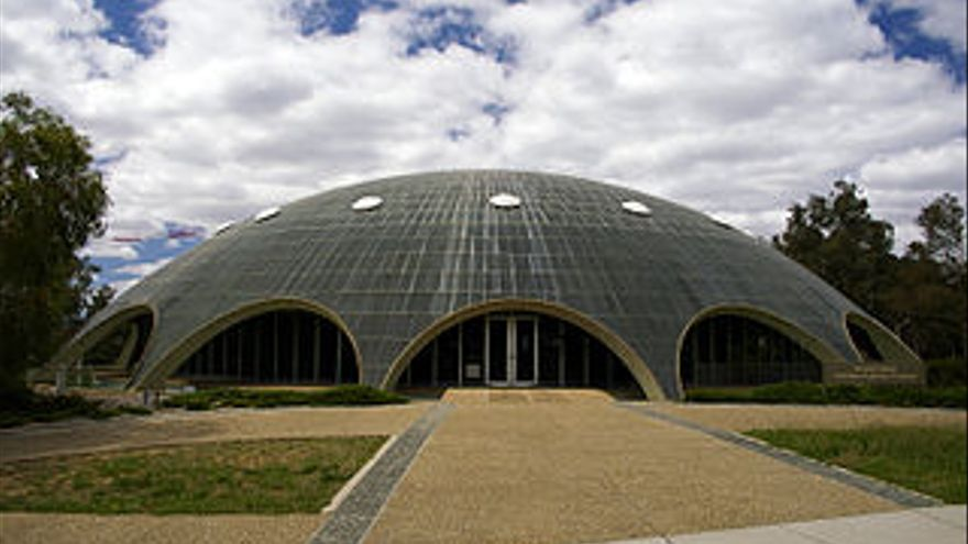 The Shine Dome, sede de la Australian Academy of Science en Canberra.