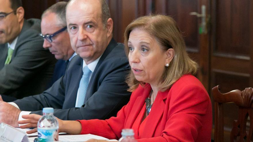 La secretaria de Estado de Comercio, María Luisa Poncela, junto al consejero canario de Economía, Industria, Comercio y Conocimiento, Pedro Ortega.