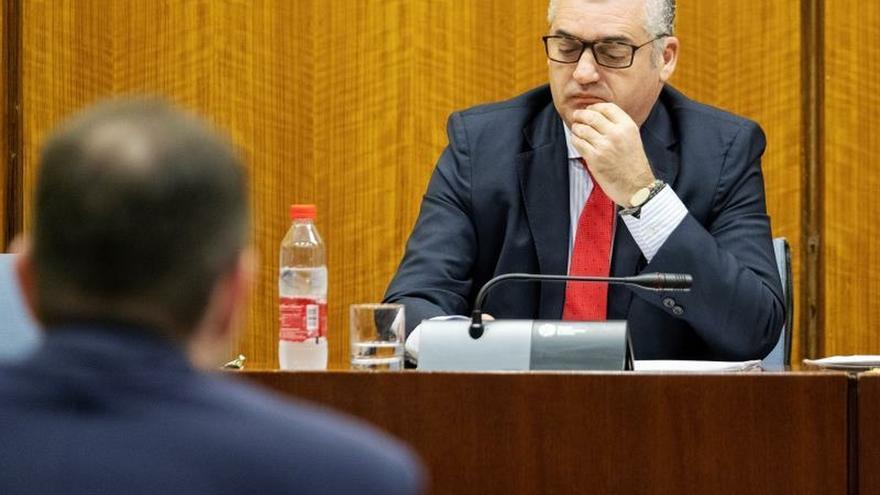 El exconsejero de Empleo se acoge a su derecho a no declarar en la comisión de la FAFFE