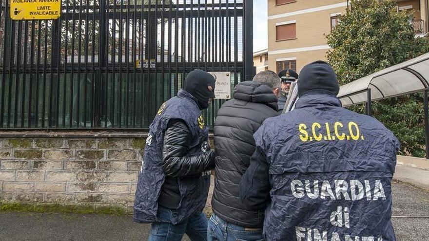 Casi 70 detenidos y mil millones incautados por el juego ilegal en Italia