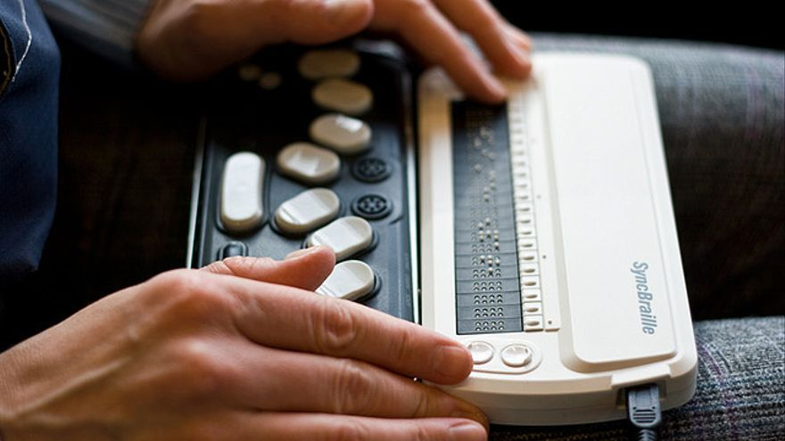 Un teclado Braille para leer las páginas web