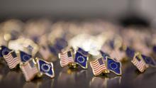 La UE y EE UU perfilan el foro de regulación del TTIP que dará más voz a los 'lobbies' empresariales