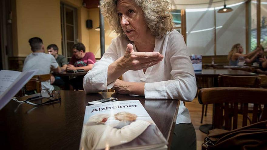 Malagelada es coautora del libro 'Alzheimer. Envejecimiento y demencia'