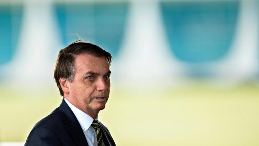 Bolsonaro exige lealtad a sus ministros y dice que el desempleo también mata