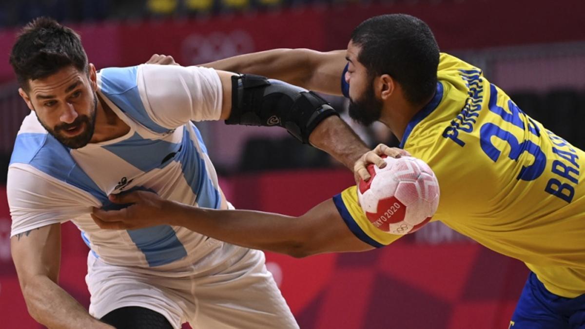 Argentina cayó en el clásico pese a la gran remontada.