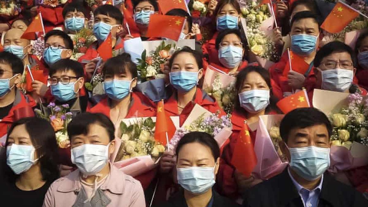 """""""In the same breath"""", el documental que cuestiona las campañas de China y Estados Unidos."""